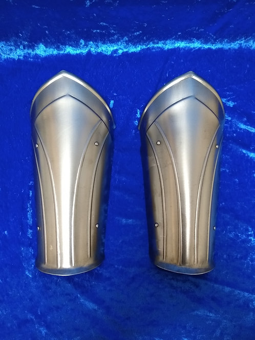 Knight's Fluted Bracers