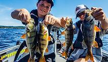 moniteur guide de pêche cédrick plasseau pêche sportive des carnassiers aux leurres france et etranger fishing aventure