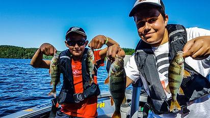 Stage pêche ados en bateau moniteur guide de pêche haute vienne dordogne