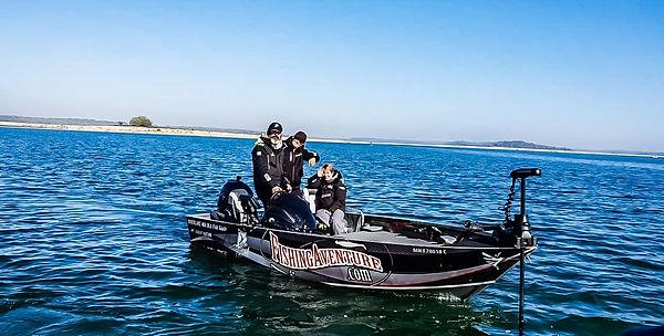Moniteur Guide de Pêche sportive lac d'orient Bas Boat RiverLake fishing aventure
