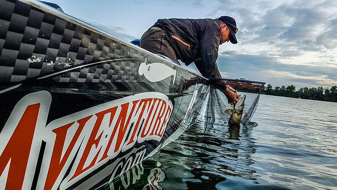 Pêche sportive en bateau Moniteur Guide de Pêche Fishing Aventure France Etranger