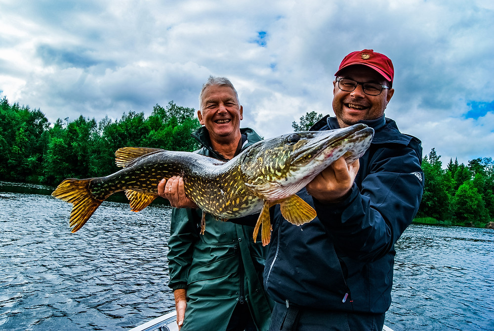sejour pêche grands carnassier france & espagne.