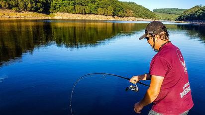 Stage Pêche du silure en bateau moniteur gude de pêche fishing aventure haut vienne
