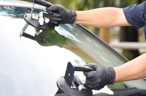 Auto Glass Replacement / ADAS Re-cal