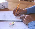 Mes_mains_sur_Cahier_1_modifié_modifié.j