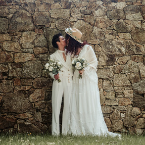 Les mariées, Pauline et Coralie