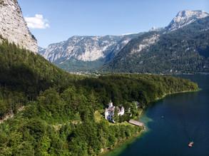 Chateau en bord de lac.