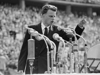 AS BILLY GRAHAM GOES;ANY LESSONS FOR CHRISTIANS AND LEADERS?