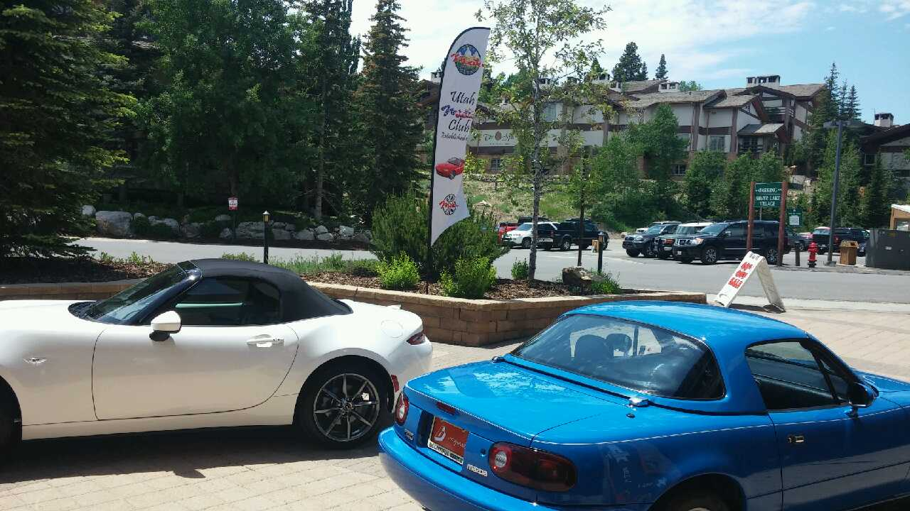 Btfl. Mazda Miatas at Chateaux
