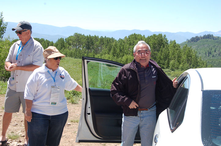 Tom Matano, Susan, Arrival at photo shoot, lr