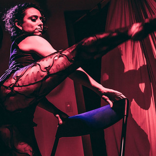 Eros-Sarah leg sexy performance_edited.j