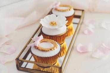 Vanilla-and-dreams-additions-cupcake.jpg