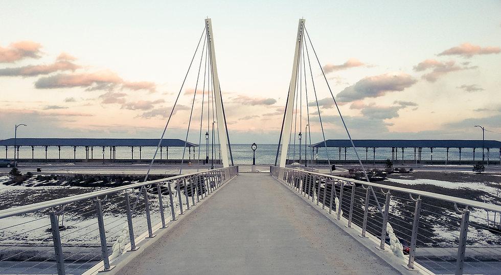 Markey_bridge_at_Wonderland,_February_2014.jpg