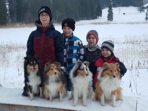 Spaziergang mit vier unserer Enkel