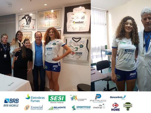 Atleta Júlia Assis, da categoria de base do Brasília Vôlei para a elite do Voleibol Nacional.