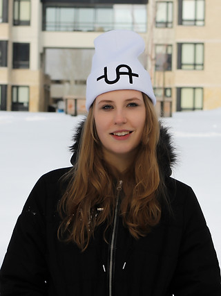 Uadamen Dollar Sign Beanie (White)
