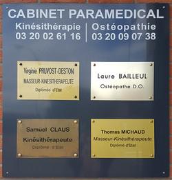 Panneau d'entrée cabinet ostéopathie