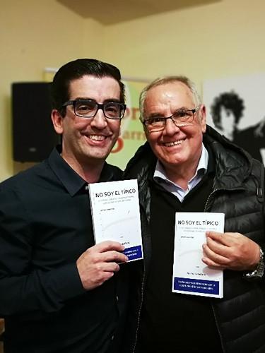 Nacho Caballero con su Profesor Keating