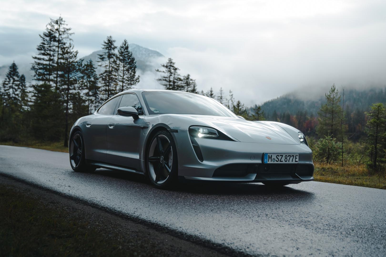 Porsche2020.jpg