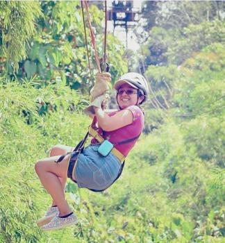 Paula haciendo canopy