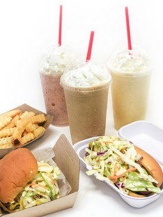 Carolina Burger, Dog, shakes, fries