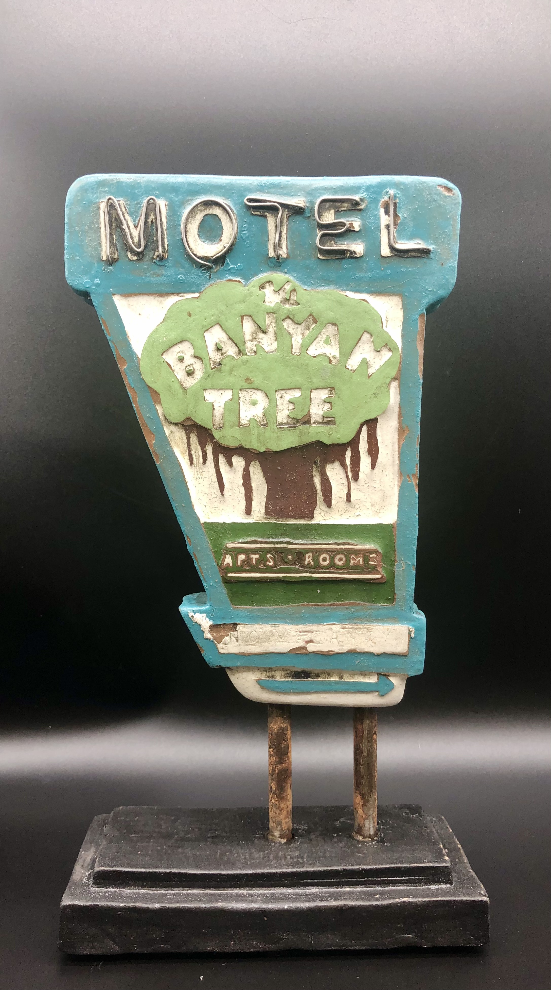 Banyon Tree Motel