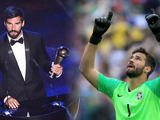 Arquero de la selección brasileña de fútbol, honró a Dios tras recibir premio.