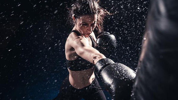 207547-671x450-woman-boxing-training.jpg