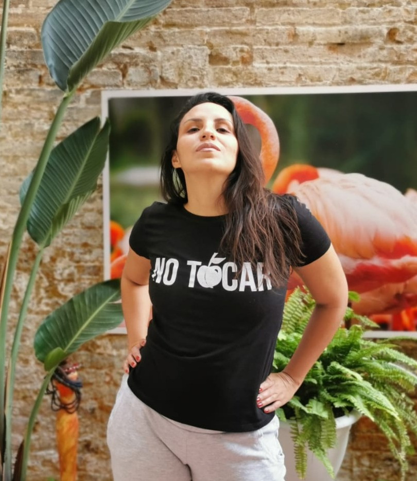 Camiseta negra no tocar anchi