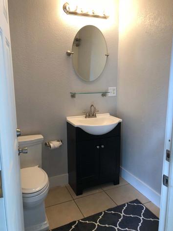 winter-oak-farm-bathroom.jpg