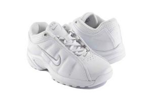white nike sneakers that look like nursing shoes