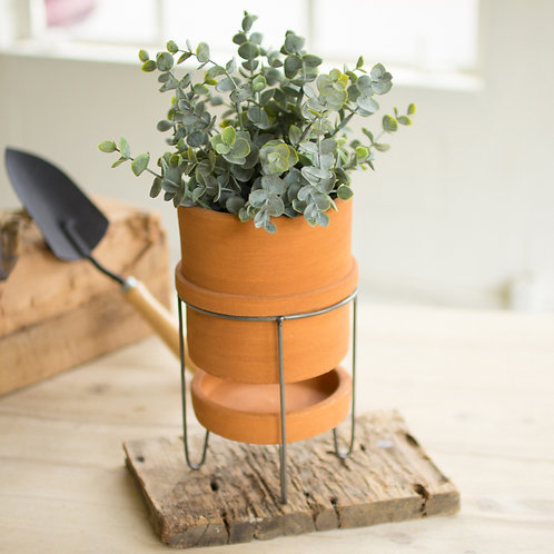 TERRACOTTA PLANTERS ON WIRE BASE