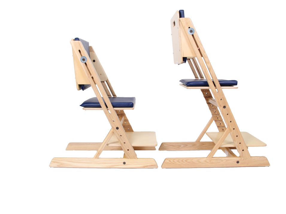 Comparison between an ERGO daycare chair and a standard ERGO chair