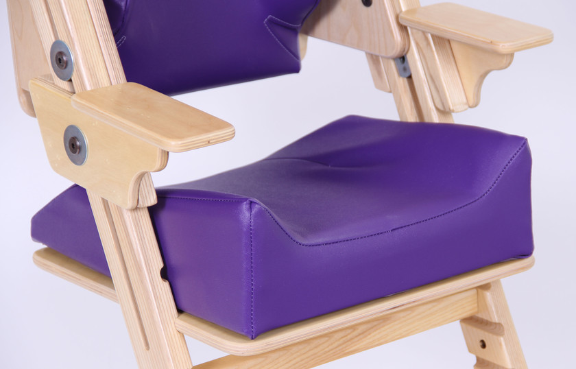 Beveled contour seat cushion