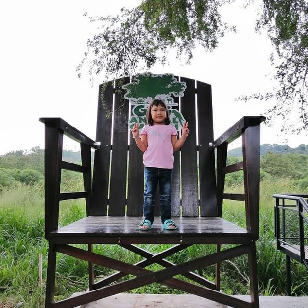 girl-giant-chair.jpg