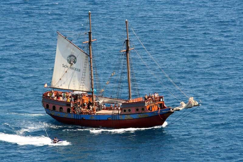 GALEÓN PIRATA 140 pax+crew