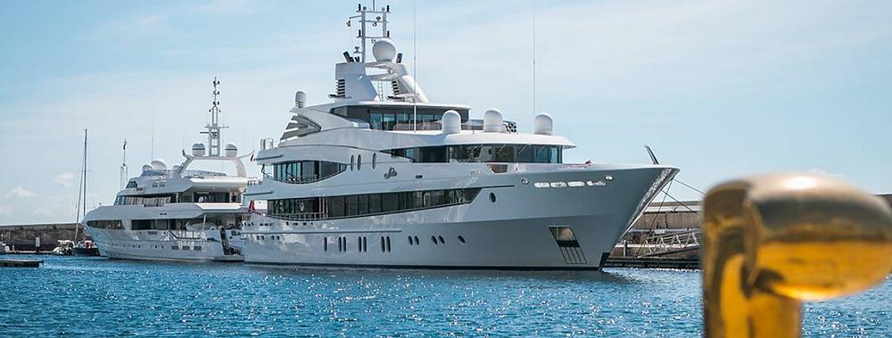 Luxury Yachts en Puerto Calero,Lanzarote   Ocean Charter Club