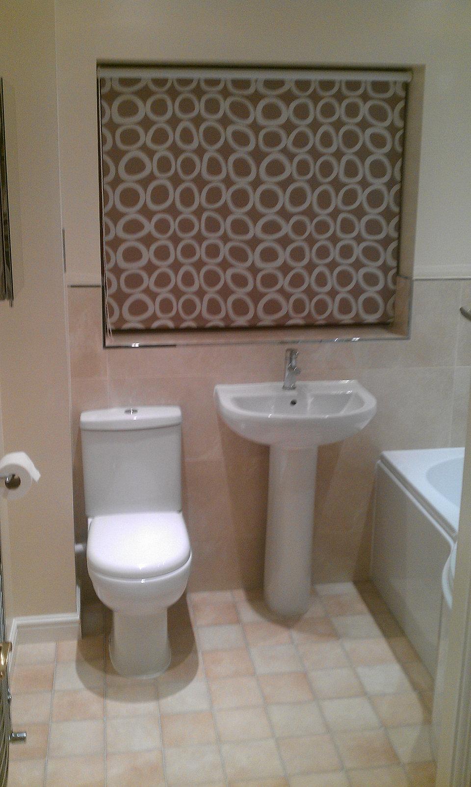 Bathroom half tiled half painted - Imag0525 Jpg