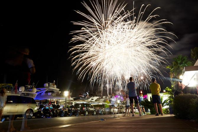 Blue Marlin La Marina, Fireworks