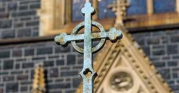 61547-cross-church-thinkstockphotos-8279