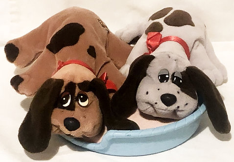 Pound Puppies New Born Set With Bed Hornby 1984