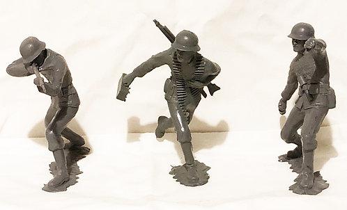 "5"" Grey Plastic WWII German Soldiers Set Louis Marx 1963 (B)"