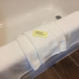 Bathtub amenities.JPG