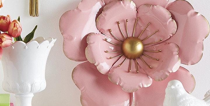 Pink Metal Wall Flower