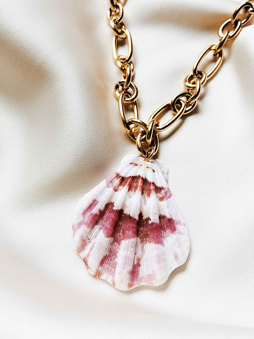 """Scallop Beauty"" chunky Necklace"