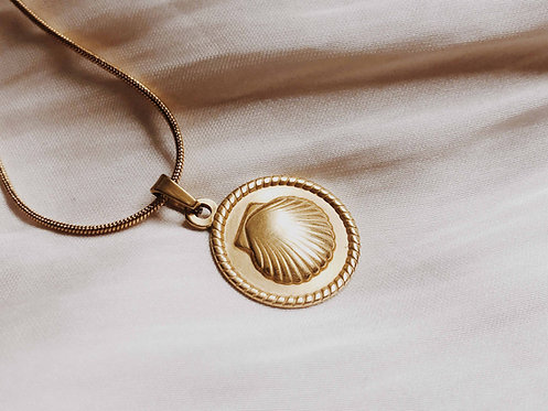 """""""Mahia"""" Seascallop Coin Necklace"""