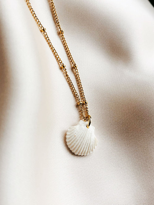 """Little white Scallop"" Pearl-Necklace"