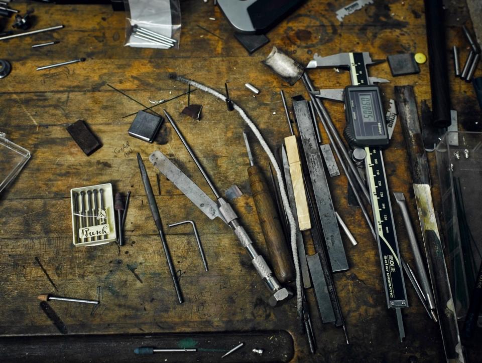 Рабочие инструменты в мастерской Haynes