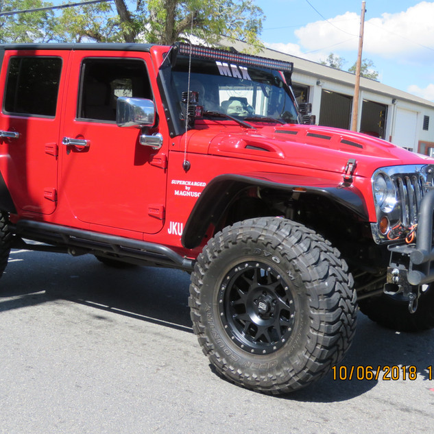 240 Jeep Red Max.JPG