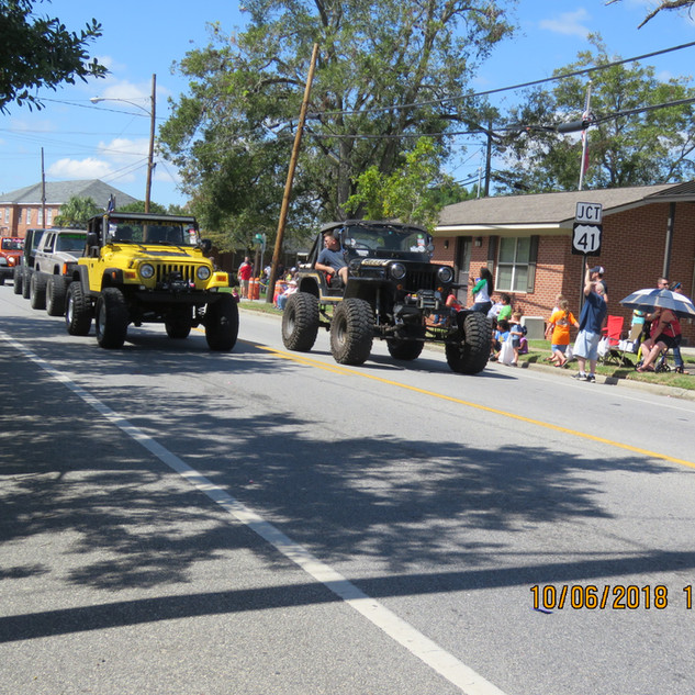229 2 Jeeps.JPG